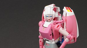 Fanstoys Rouge (Transformers Arcee) Gallery